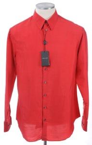 ジョルジオアルマーニのシルク製シャツ
